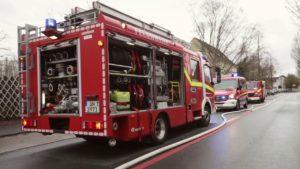 Feuerwehr bei Feuer Unna – Feuerwehreinsatz Unna Großbrand